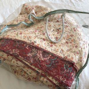 Bedding - Queen Country Quilt